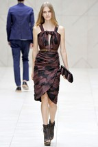 Burberry2 London Fashion Week   Day 4: Burberry and Todd Lynn Dresses